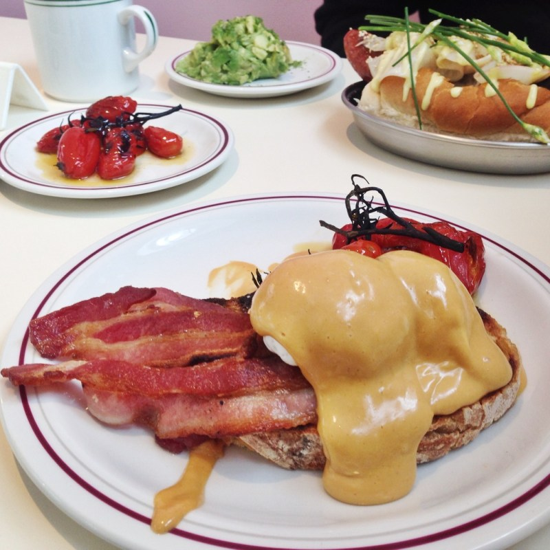 STYLE LOBSTER BRUNCHES AT FIELDS