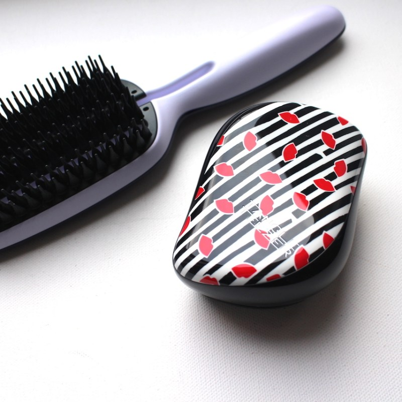 THE HEALTHY-AT-HOME BLOW DRY WITH TANGLE TEAZER BLOW-STYLING BRUSH