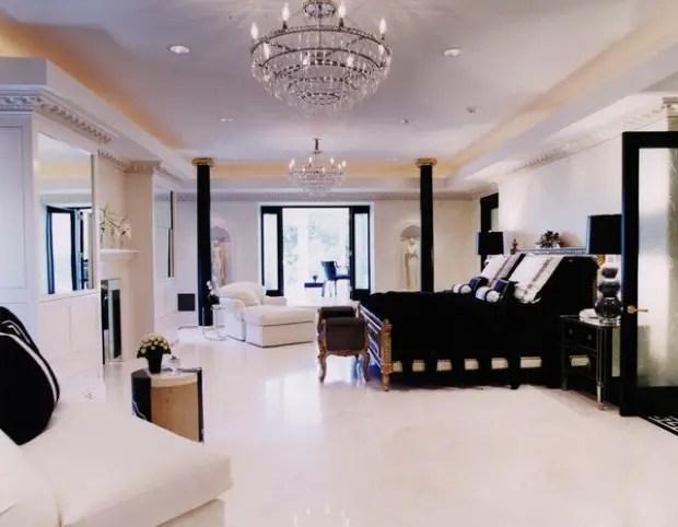 15 Elegant Black And White Bedroom Design Ideas