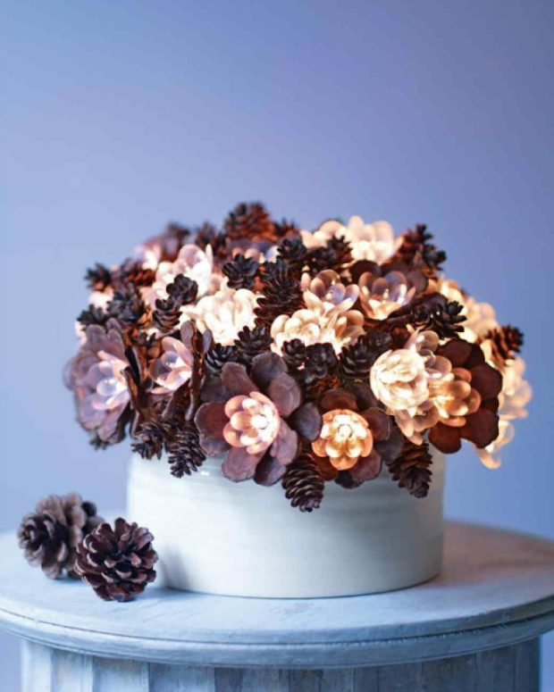 15 Amazing DIY Pinecone Decorations Perfect for This Season