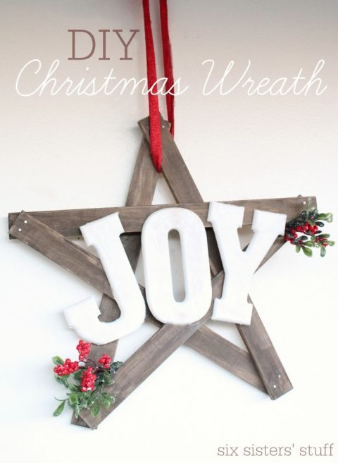 17 Festive DIY Christmas Wreaths Ideas You Can Easily Make