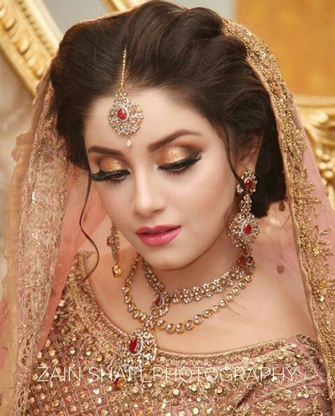 Stani Bridal Eye Makeup Ideas For