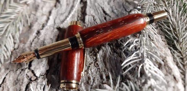 stylo en bois de padouk