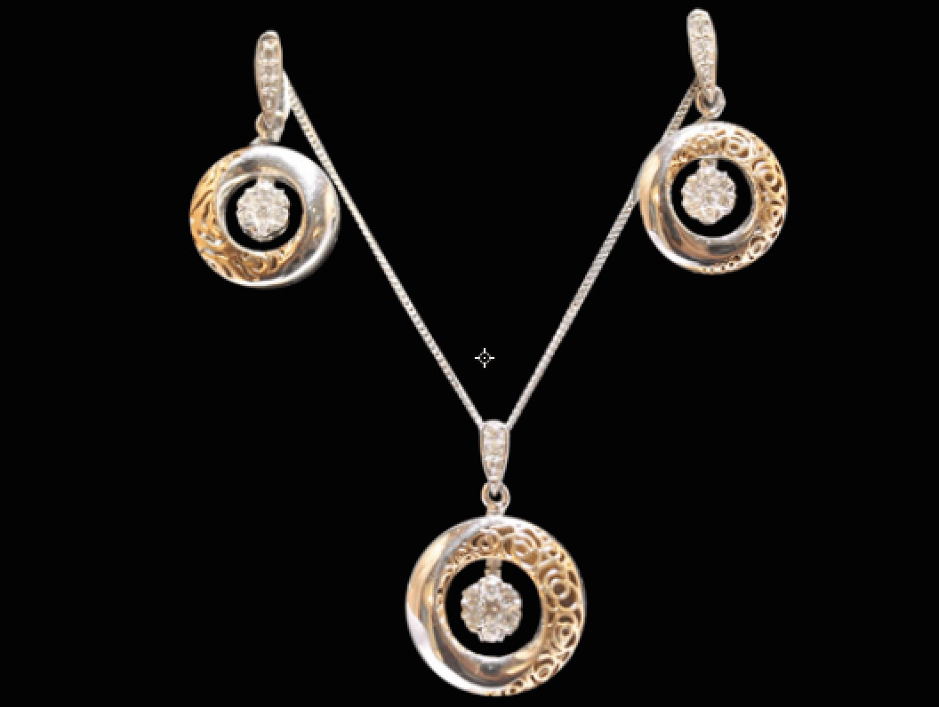 StylePrer Pick- For A Woman Who Is A Multi-Tasker And Judges Between Various Walks Of Life Here's A Pendant Set From Ghanasingh Be True