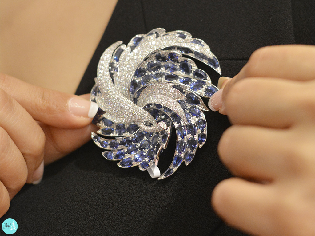 Diamond And Blue Sapphires Brooch By Diacolor