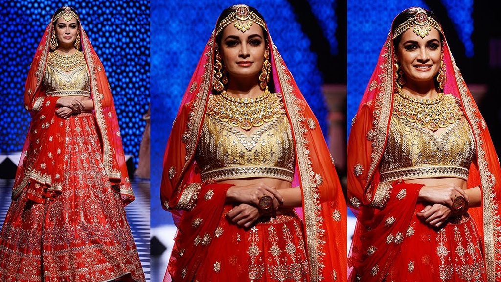 Swarn Dharohar, A Collection Inspired From Rajasthan Is Designed And Crafted By PC Jewellers. Dia Mirza, The Show Stopper, Dazzled In A Bridal Polki Necklace Set, Dangler Earrings, Cocktail Ring And A Borla On An Anita Dongre Embellished Lehenga At The IIJW 2017. PC- YouTube