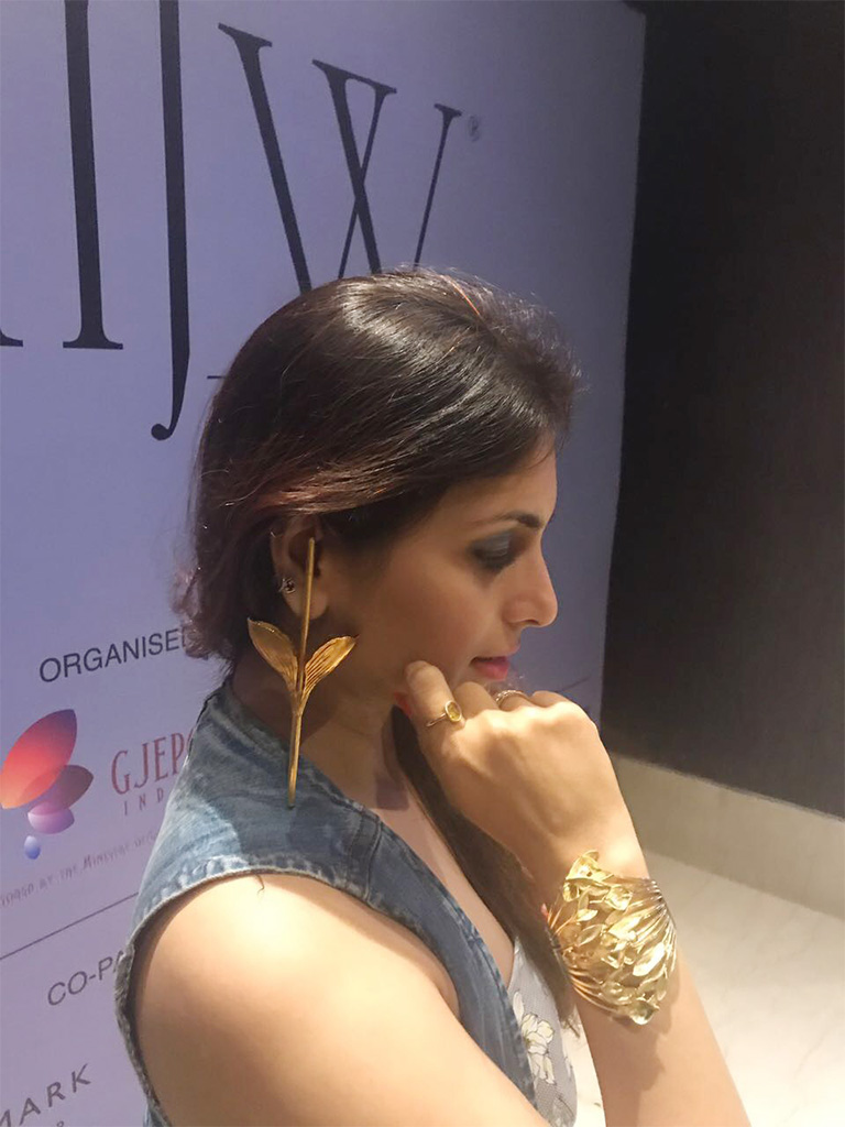 "Prernaa Makhariaa Wearing a 18kt Gold Stick Earring And Gold Cuff By Pallavi Foley ""The Flame Of The Forest"" That Was Worn By The Show Stopper Yami Gautam"
