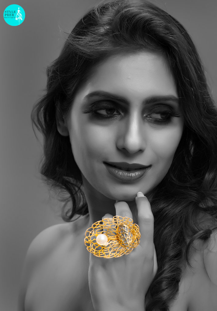 Inspired From The Jaalis And Architecture Of The Taj Mahal Is A Gold Ring With A Pearl