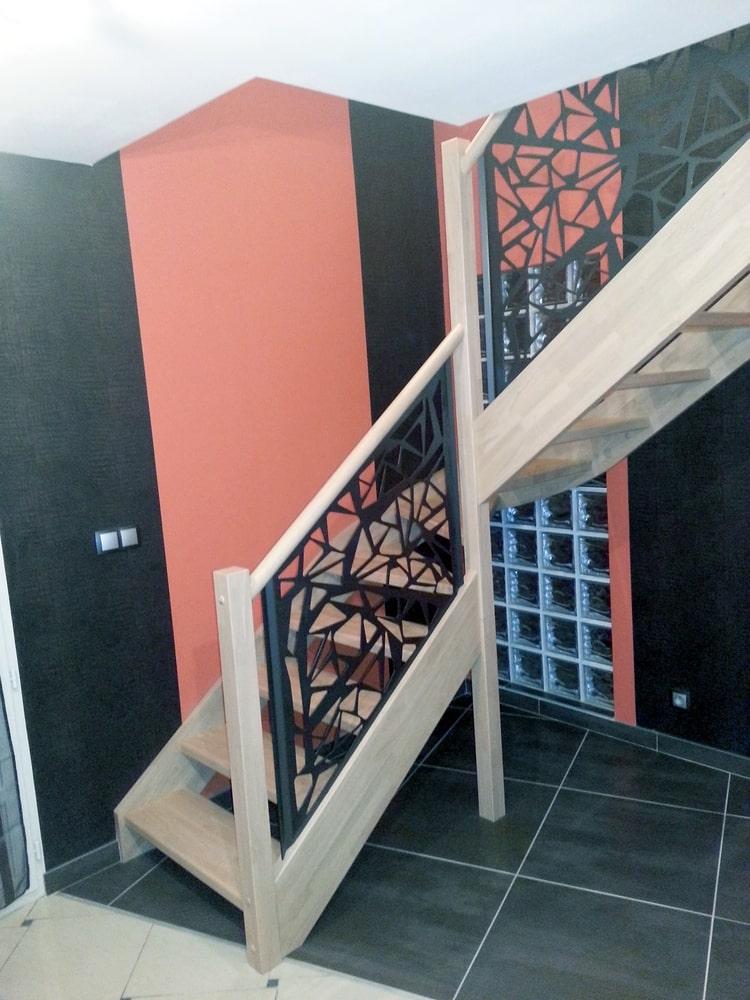 Styl'escalier : Gamme Prestige escalier Hevea ensemble avec rampe style tôle design