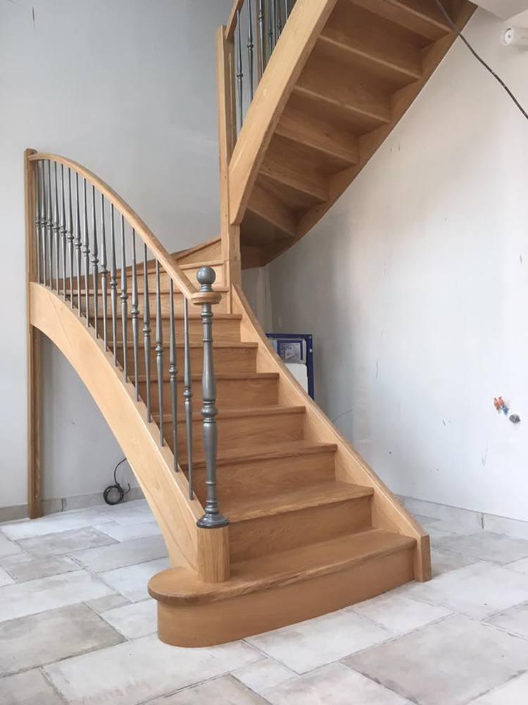 styl escalier gamme prestige escalier ch ne ensemble avec ferronnerie et poteau m tallique. Black Bedroom Furniture Sets. Home Design Ideas