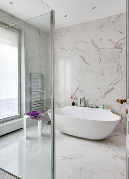 Habille De Marbre Blanc Une Salle De Bains Intemporelle Styles De Bain