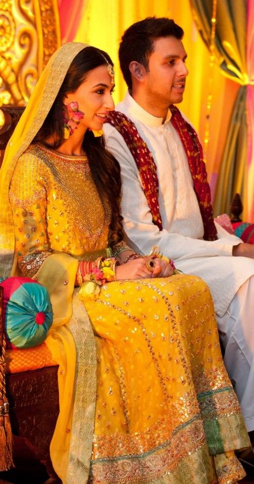 Top Latest Superb Pakistani Mehndi Dresses Collection