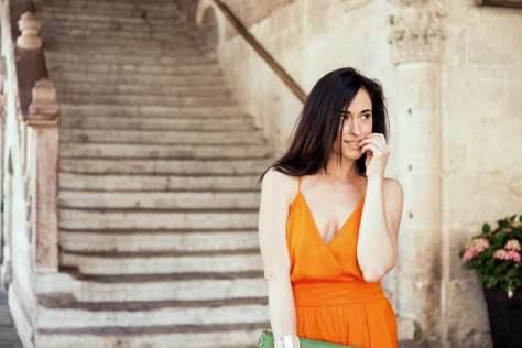 brunette-blogger-italy