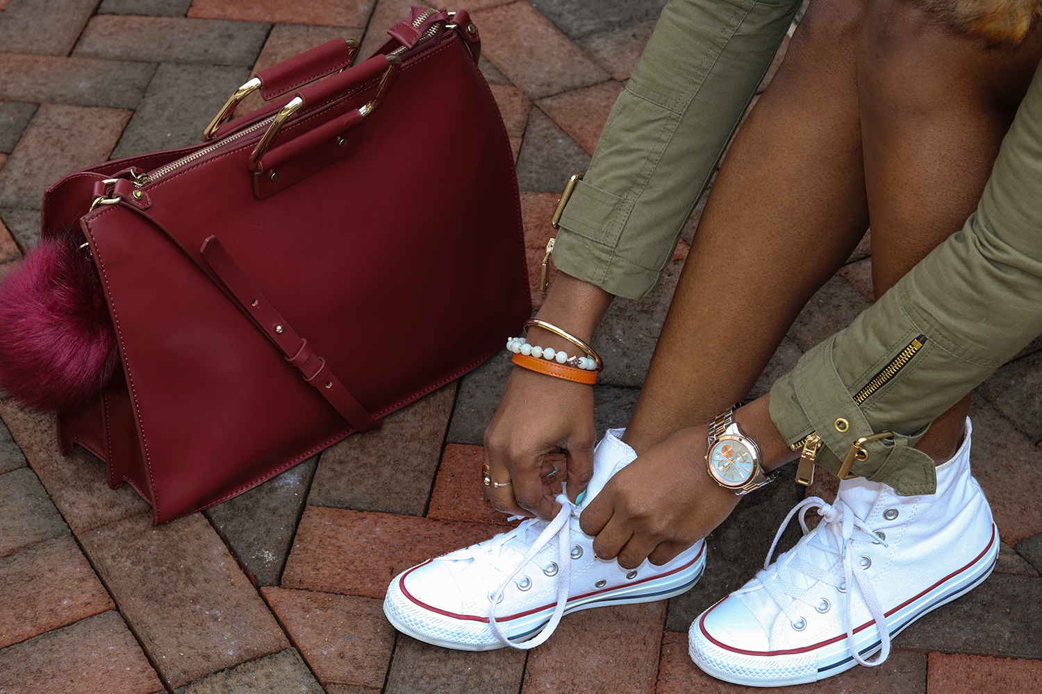 burgundy purse and converse
