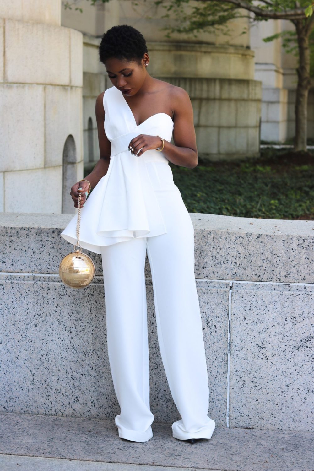 style synopsis_ modern look