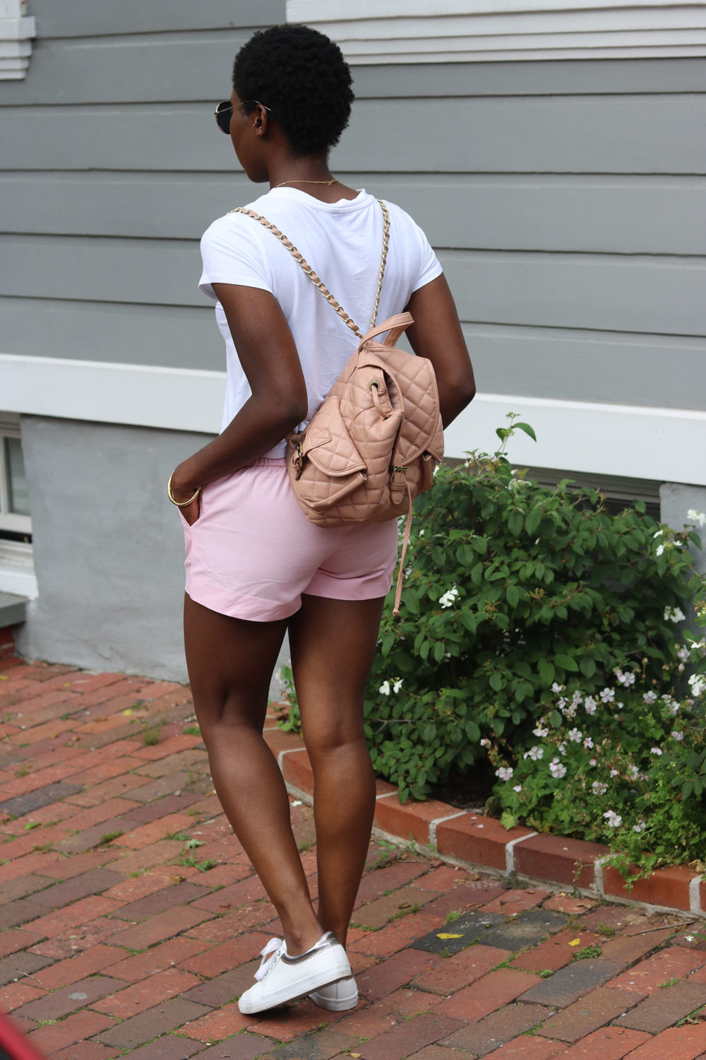 style synopsis T shirt look