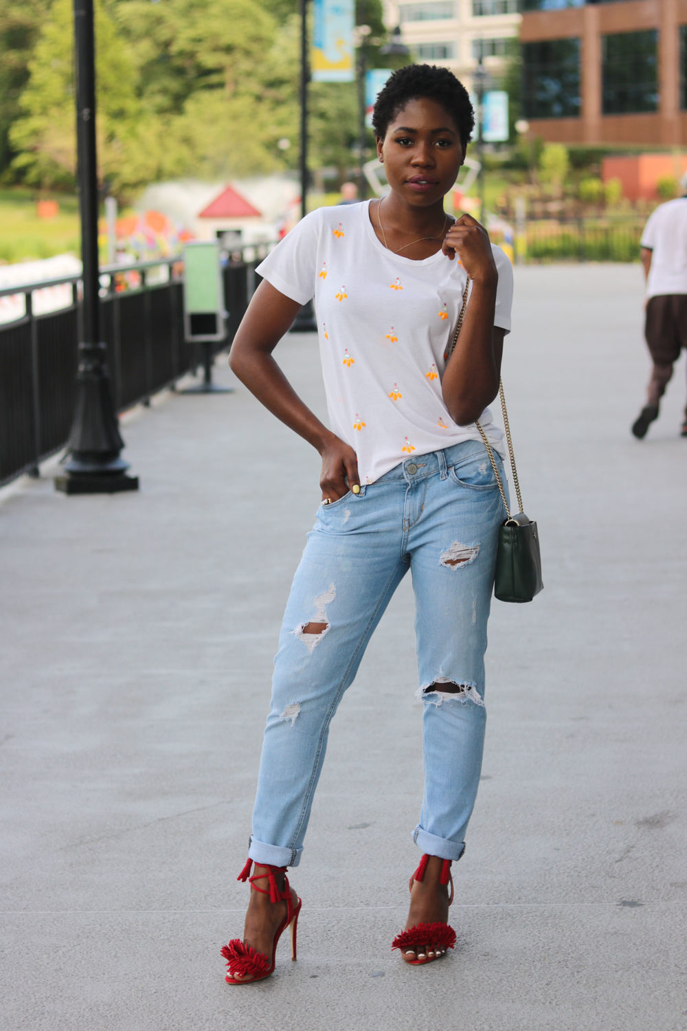 style synopsis casual tee & heeled sandals