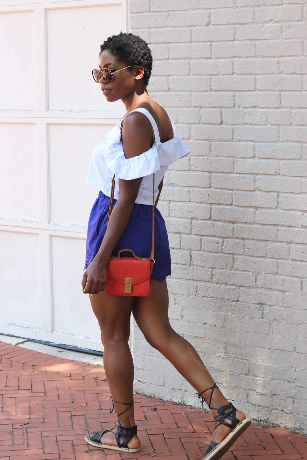 style synopsis off shoulder top style