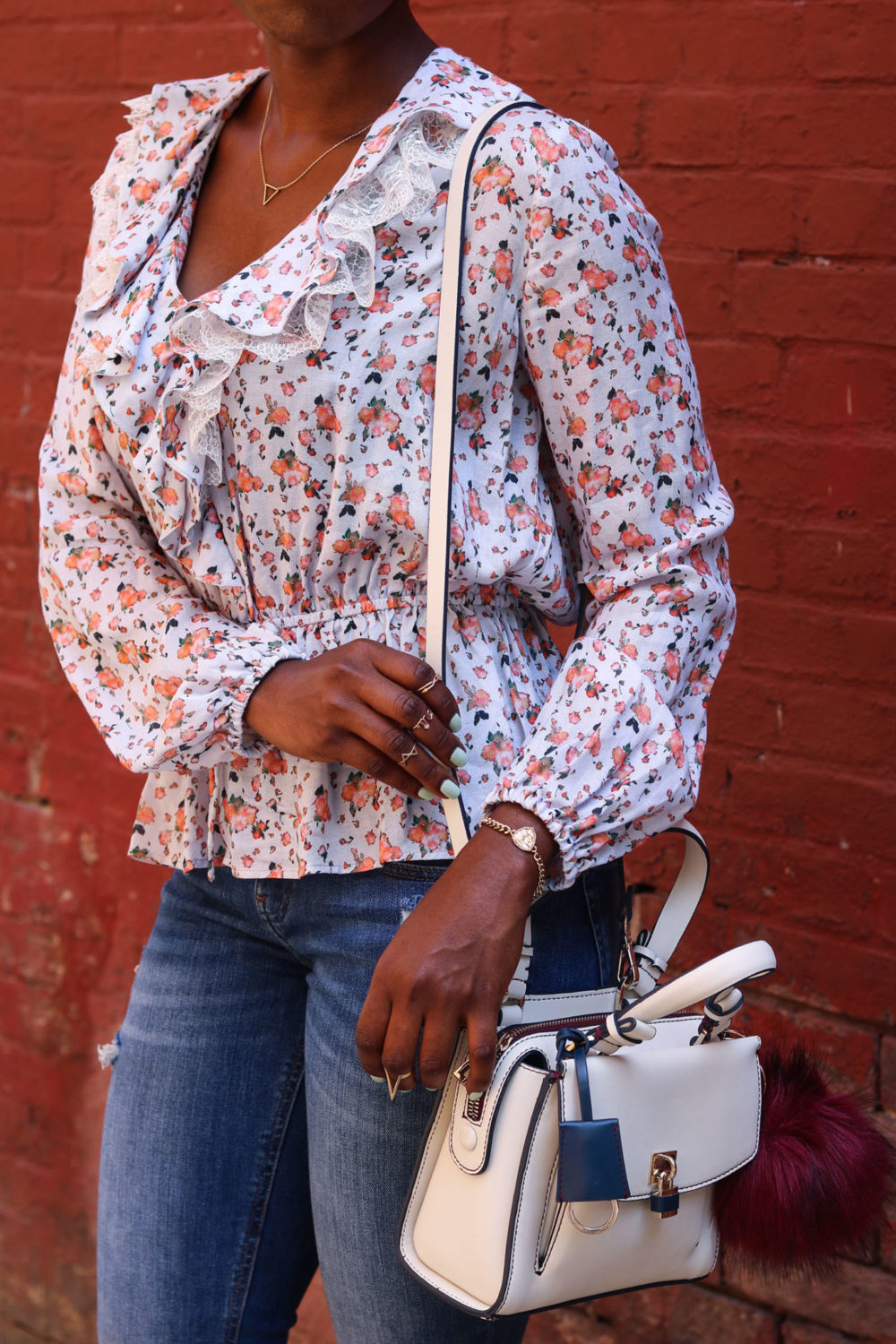 style synopsis floral and denim look
