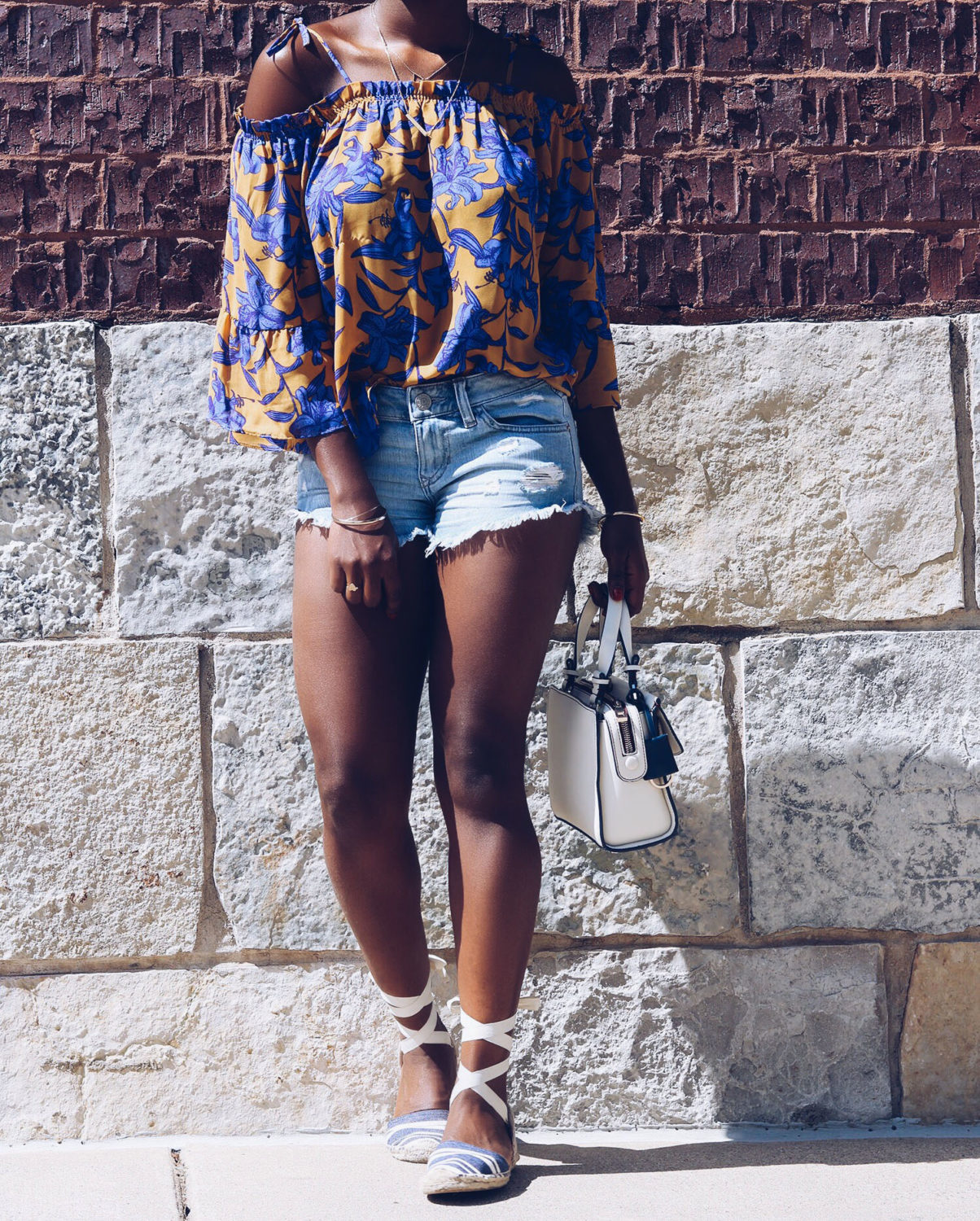 stylesynopsis-off-shoulder-top-denim-shorts
