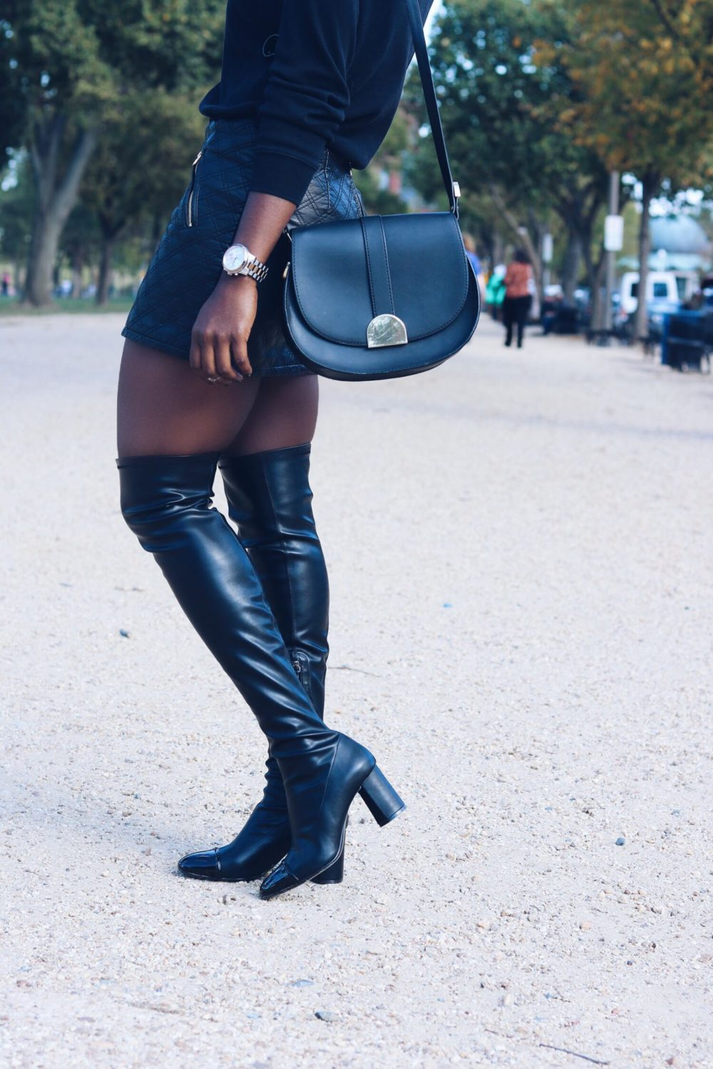 style-synopsis-cross-body-bag-black-knee-high-boots