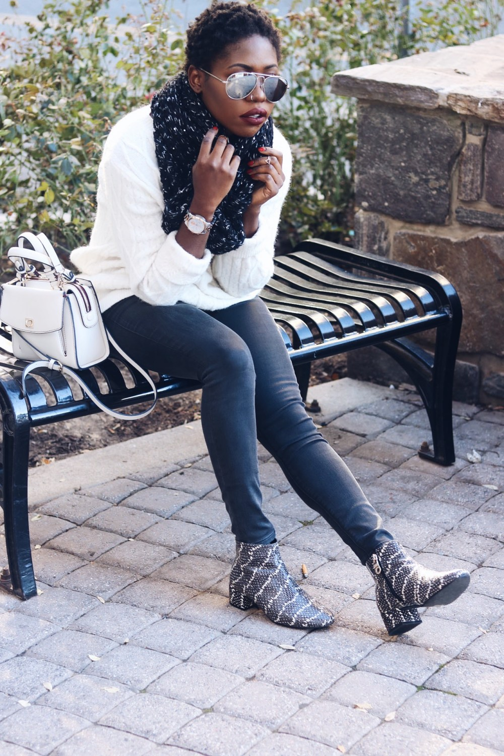 style-synopsis-black-gray-fall-style