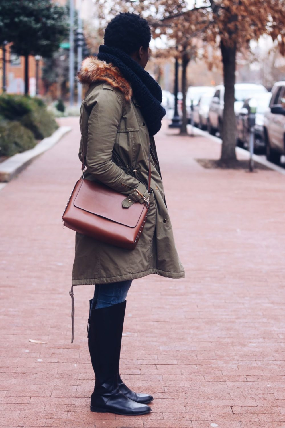 style-synopsis-cross-bag-parka-jacket-casual-look