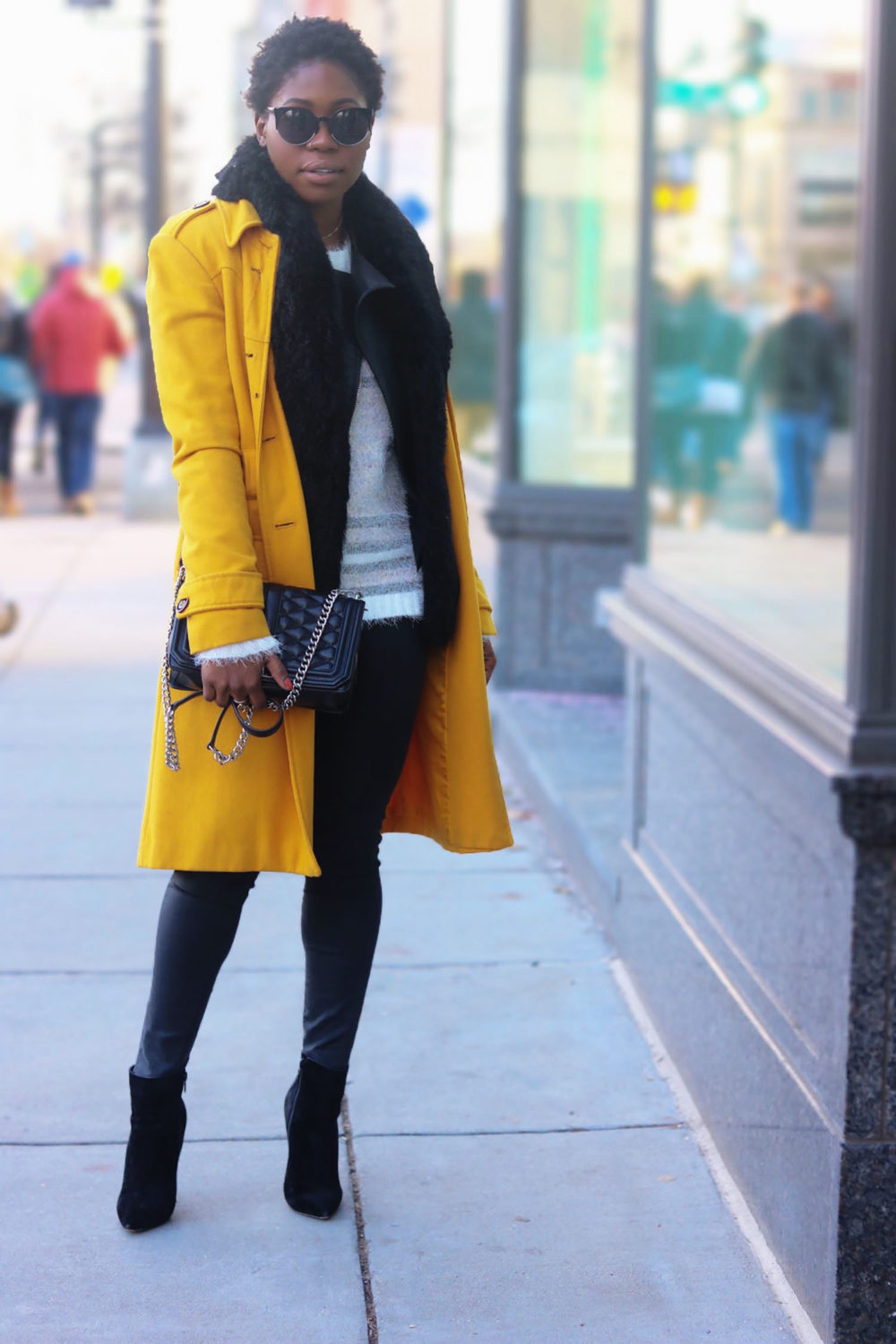 style-synopsis-black-yellow-winter-fashion