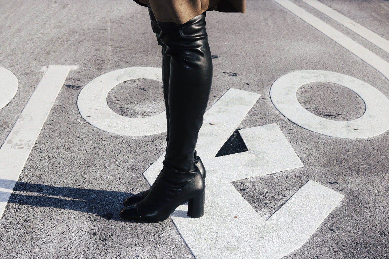 style-synopsis-leather-thigh-high-boots