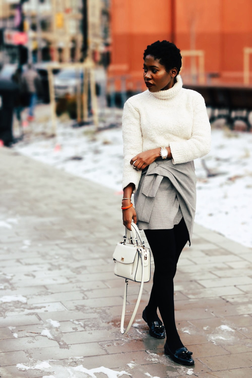 style-synopsis-loafers-short-skirt-look