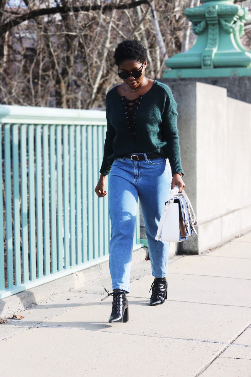 style-synopsis-mom-jeans-pointed-booties