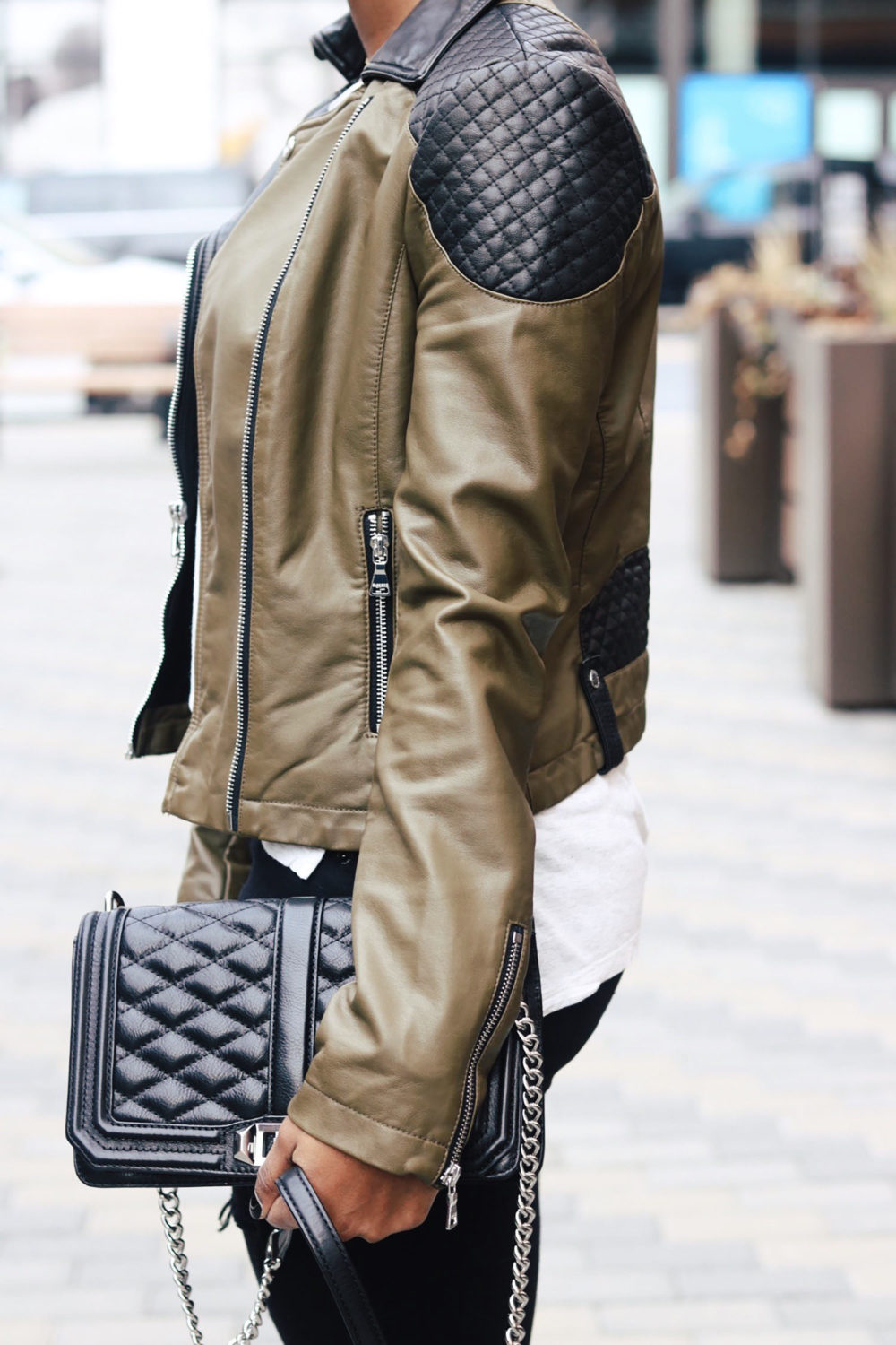 style-synopsis-detailed-leather-jacket