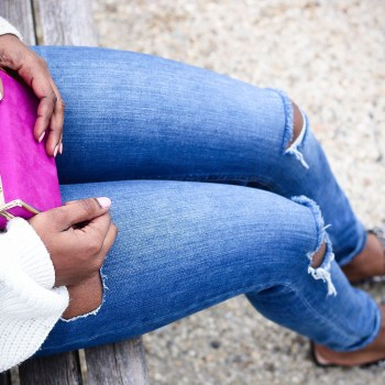 style-synopsis-pink-clutch