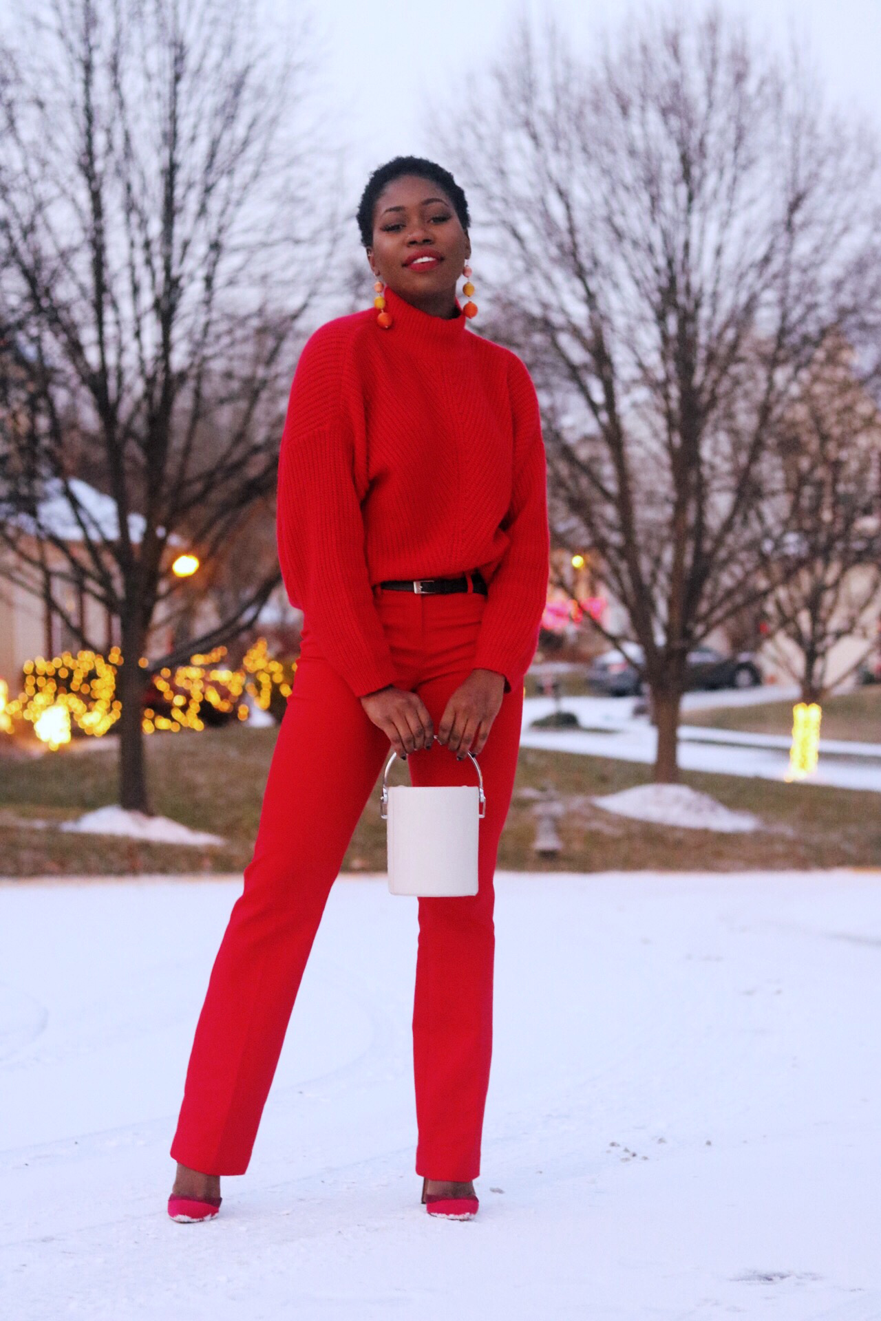 ALT= RED CHRISTMAS PARTY OUTFIT