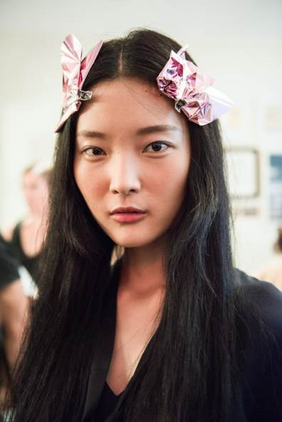 Get the Kate Spade Makeup, Hair and Nails Look from SS17 Runway Show and Backstage Coverage