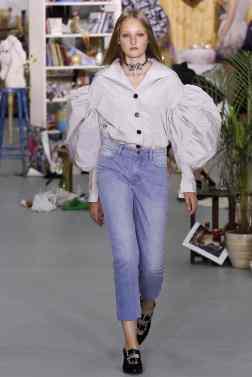 Ashley Williams London Spring 2017 Trends // Photo via Vogue.com