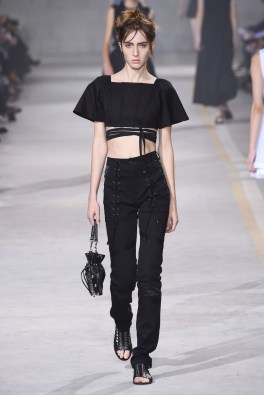 diesel-black-gold-spring-2017-fashion-trends-milan-fashion-week