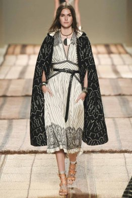 etro-spring-2017-fashion-trends-milan-fashion-week