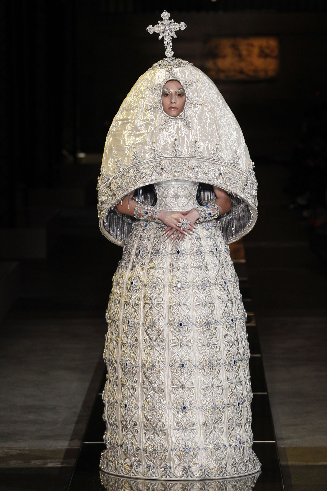 2017 Haute Couture Guo Pei
