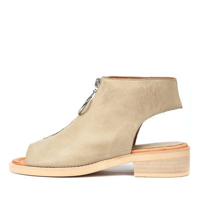 Django & Juliette Resign Khaki Sandals