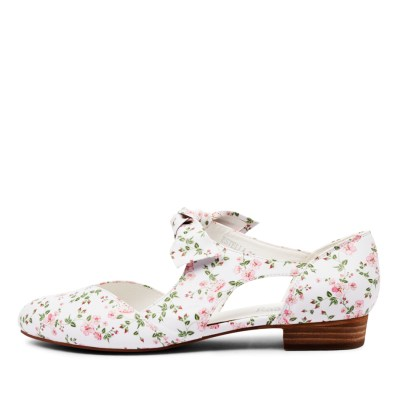 I Love Billy Estella White Flowers Shoes