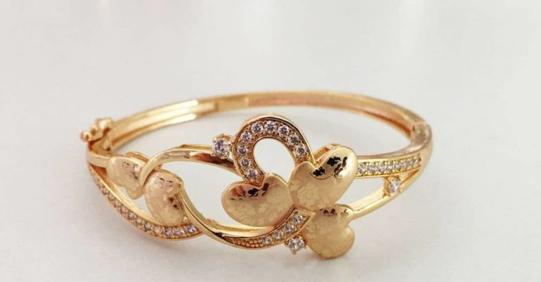 heart shaped gold plated ring