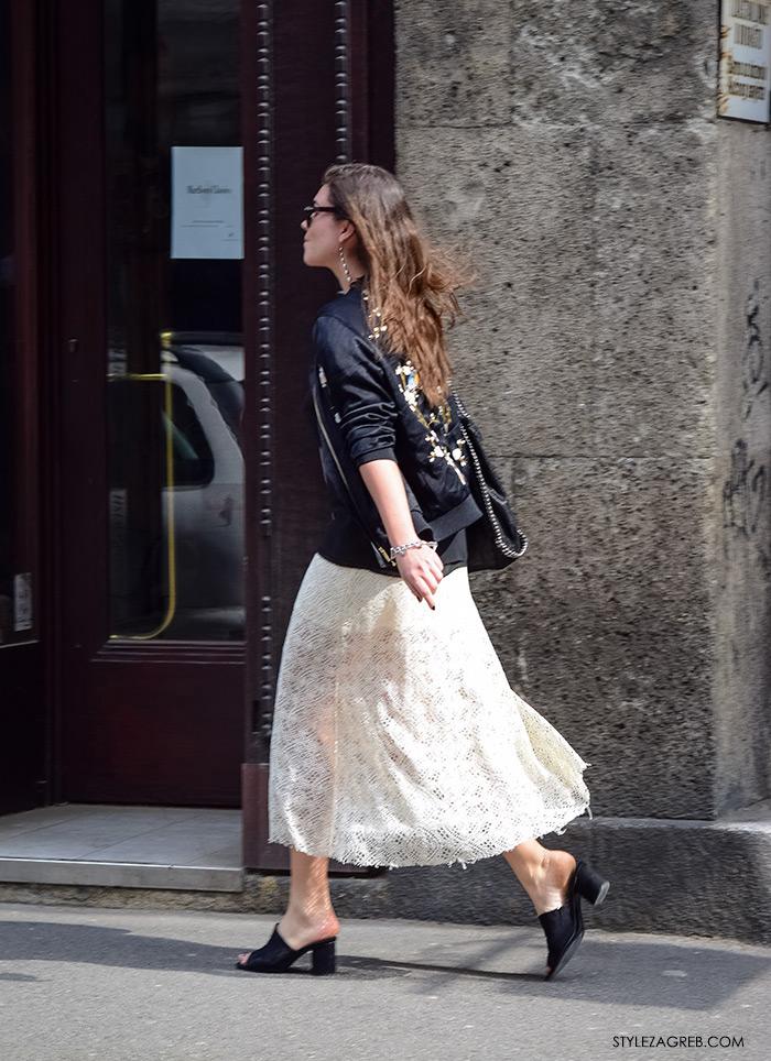 Zagreb ulična moda, Style Zagreb proljeće street style cro moda fashion žena hr, kako nositi crna Zara bomber jakna, natikače, krem suknja od čipke