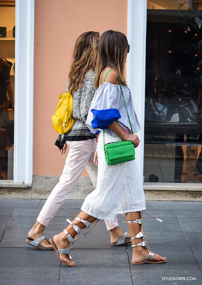 Street style Zagreb ulična moda rujan 2016 kraj ljeta, srebrne gladijator sandale, bijele suknja-hlače, jolie petite tunika haljina