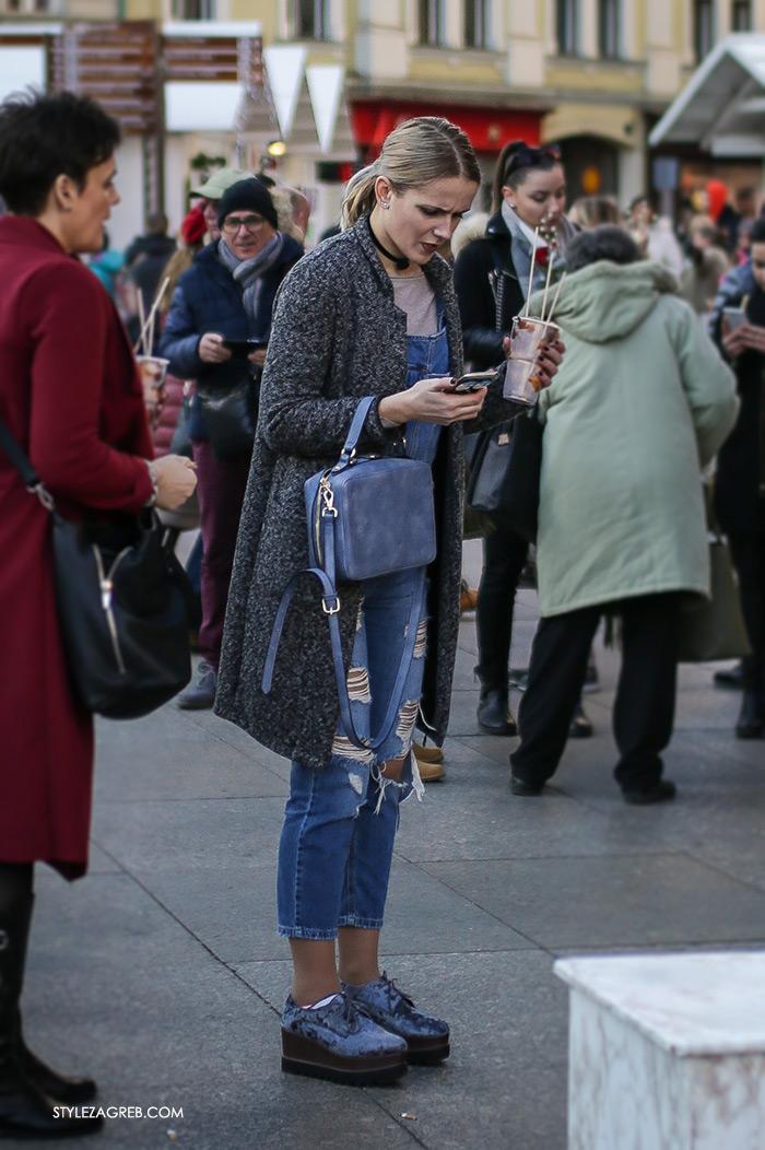 Street style Zagreb: ulična moda druga adventska subota šica Advent u Zagrebu, 3.12.2016. kakvi outfiti se nose zimska ženska moda traperice na tregere, choker, traper cipele s debelim potplatom