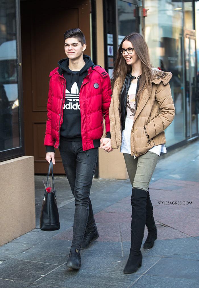 Dečko koji sa zadovoljstvom svojoj curi nosi tobicu, style zagreb street style zagreb