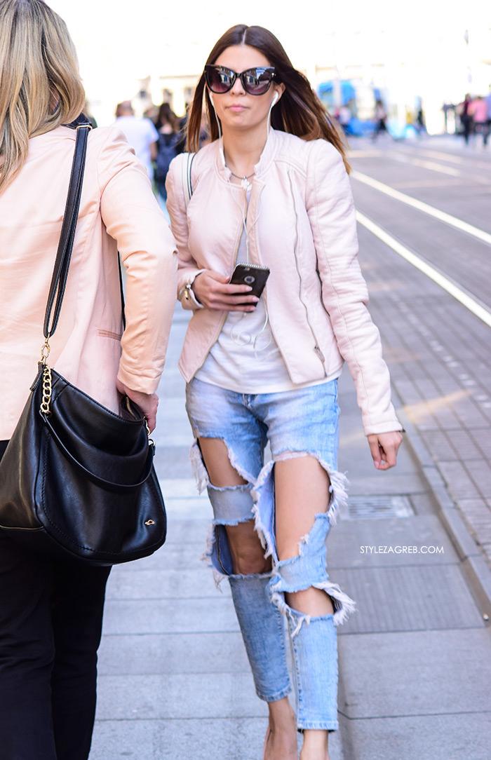 Street style Zagreb kako nositi roza boja stajling kombinacija Zara roza kožena jakna poderane traperice
