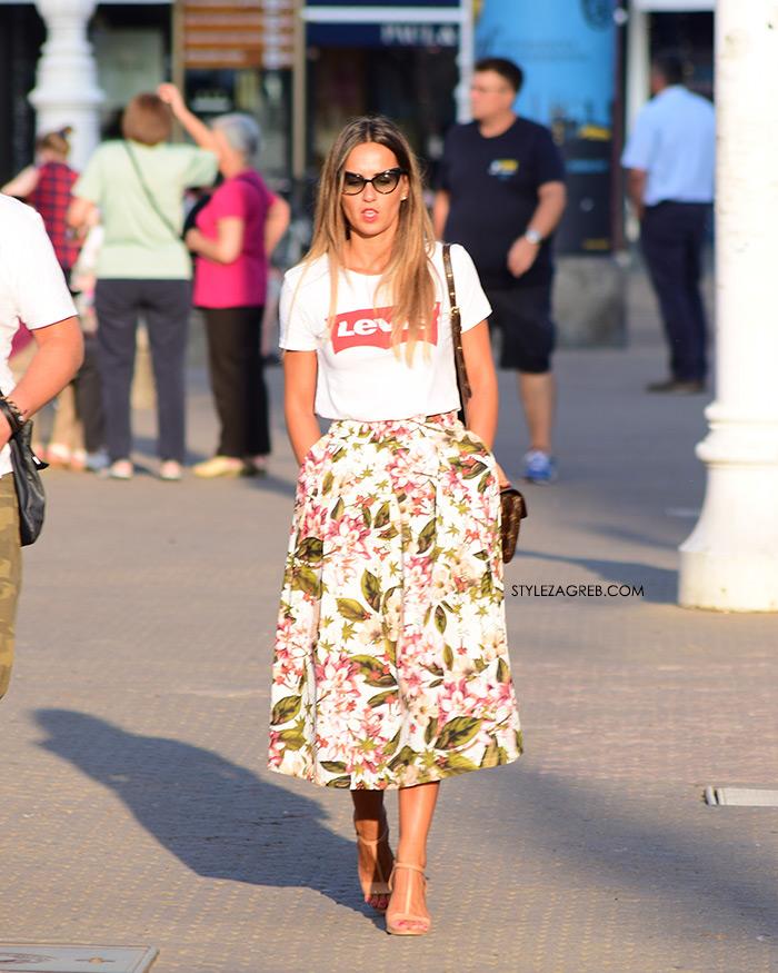 Ženska moda špica street style Zagreb kolovoz 2017 Levi's bijela majica crveni logo cvjetna midi suknja