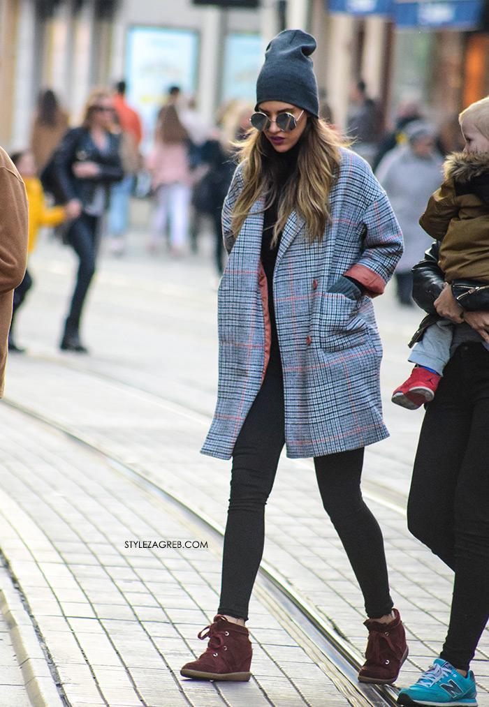 street style zagreb sivi kaput u boji devine dlake špica