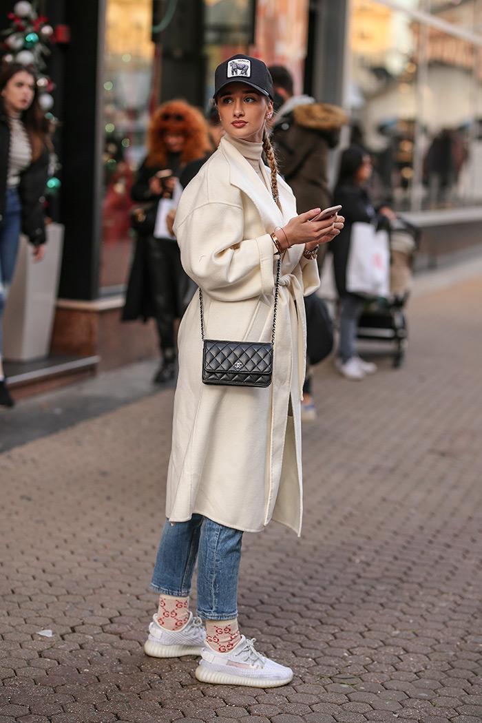 bijeli kaput zagreb street style moda zima 2019